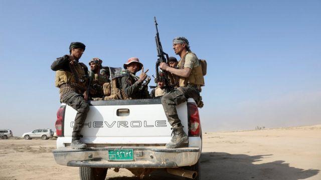 القوات العراقية أثناء تتقدم في الموصل