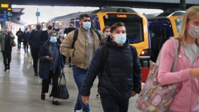 İngiltere'de demiryolları 1990'larda özelleştirildiğinden beri bütün hükümetlerin başını ağrıtan bir konu oldu