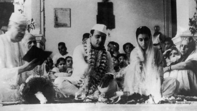 ફિરોઝ અને ઇંદિરા ગાંધીનાં લગ્નનો ફોટોગ્રાફ
