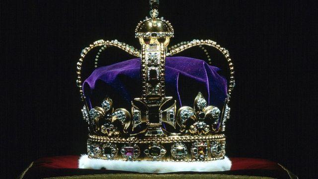 La corona de St. Edward