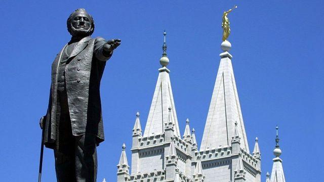 Monumento en Salt Lake City, Utah. a Brigham Young, líder de los primeros mormones en ese estado.