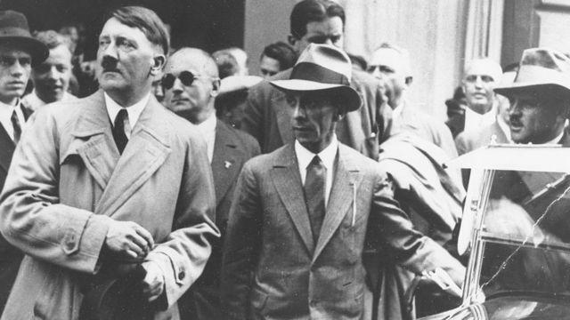 Goebbles con Hitler