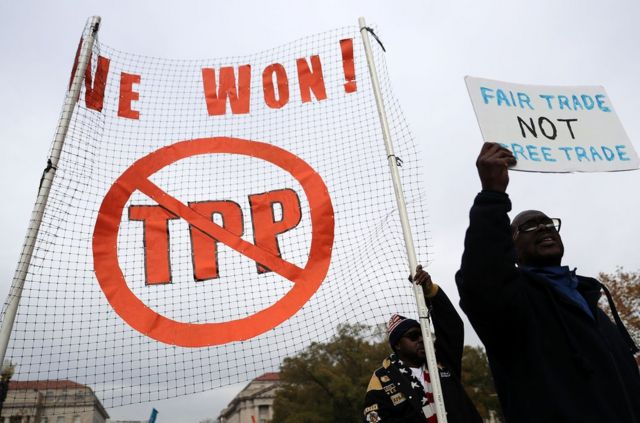 抗議人士認為,跨太平洋伙伴關係協定搶走了美國人的工作。