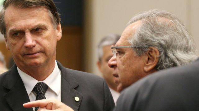 Bolsonaro com Paulo Guedes, em foto de arquivo