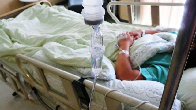 Criança em hospital