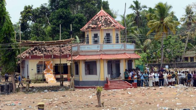 Damaged temple complex, Paravur, India, 10 April 2016