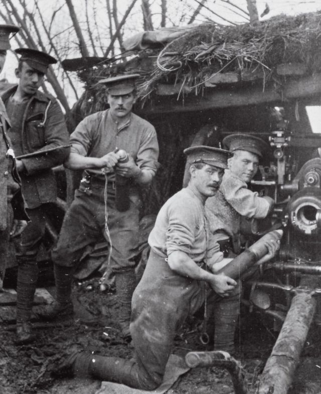 Rare photos show life in Glasgow Barracks during WW1