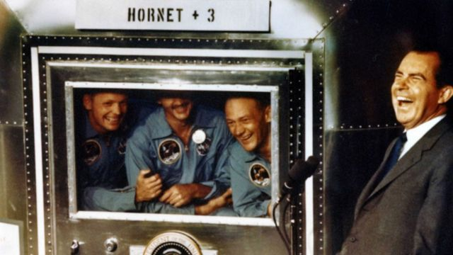 Никсон и астронавты Нил Армстронг, Майкл Коллинз и Базз Олдрин, 1969 год