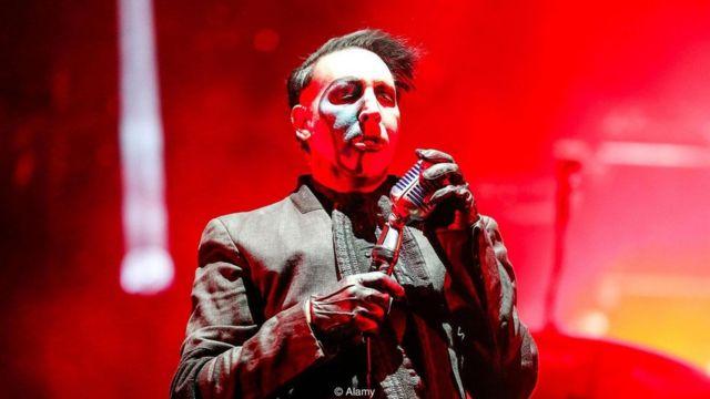 Marilyn Manson-un musiqilərinin gənclərə şiddəti aşıladığı deyilsə də, bu, hələ ki, psixoloji araşdırmalarla üst-üstə düşmür (Mənbə: Alamy)