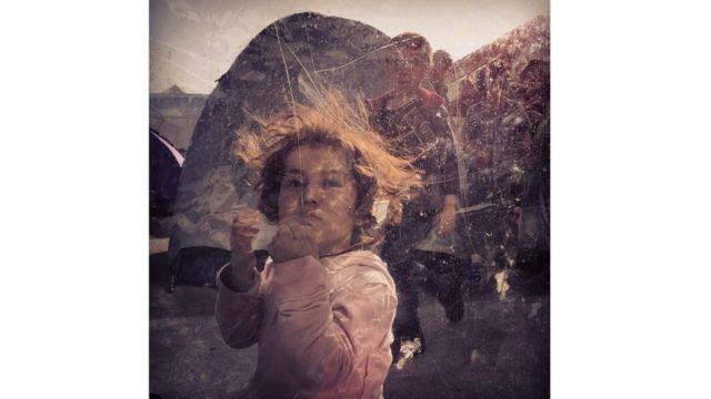 "Fotograf[ia de Loulou d'Aki, primer lugar en ""Noticias/Eventos"""