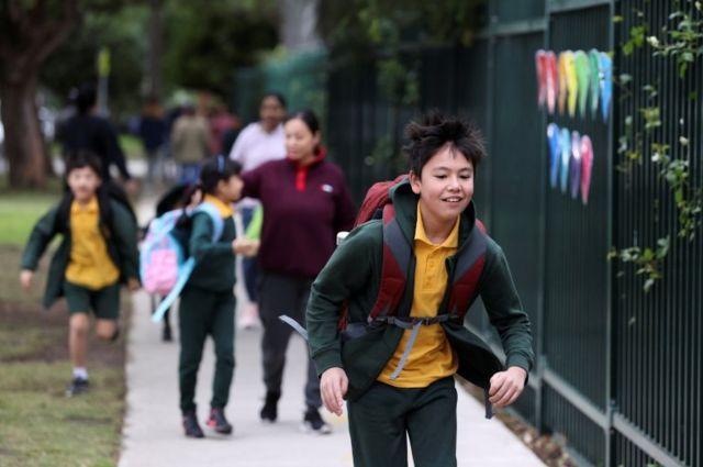 Estudo com escolas australianas sugeriu baixo risco de contágio