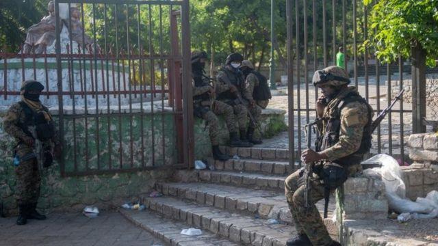 نیروهای ویژه پس از ترور بامداد چهارشنبه، محل اقامت رئیسجمهوری را قرق کردند