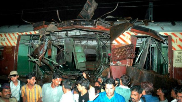 मुंबई ट्रेन धमाका