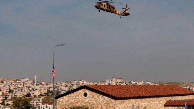 توجه بومبيو بمروحية إلى مستوطنة قريبة من رام الله