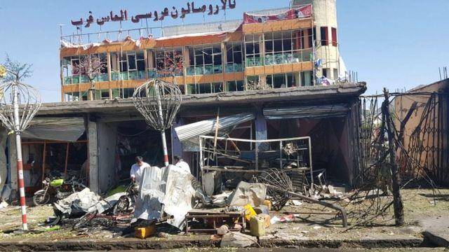 爆発はカブール西部のシーア派が多数を占める地区で起きた
