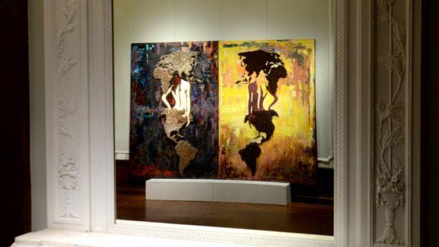 """Одна из работ инсталяции """"Пять элементов войны"""" во время показа в Нью-Йорке"""