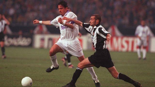 Мијатовић у мечу финала Лиге шампиона против Јувентуса 1998.