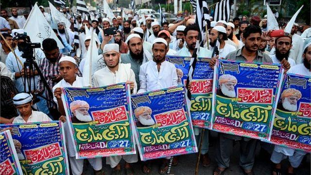 مولانا فضل الرحمان د دغه لاریون ملاتړ د پاکستان د شاوخوا ټولو ګوندونو کړی