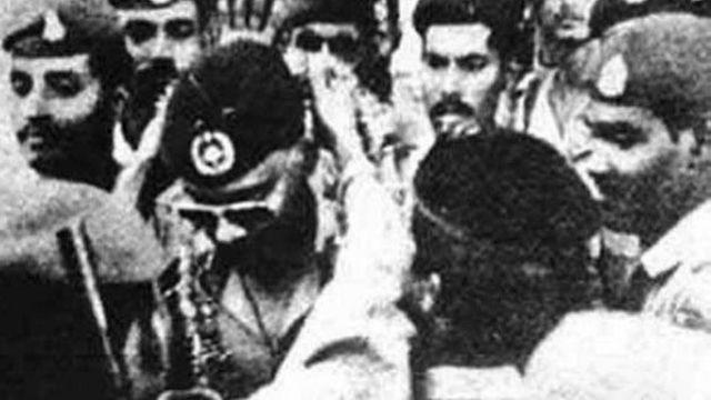 ৭ই নভেম্বরের অভ্যুত্থানের পর দৈনিক বাংলায় প্রকাশিত একটি ছবি