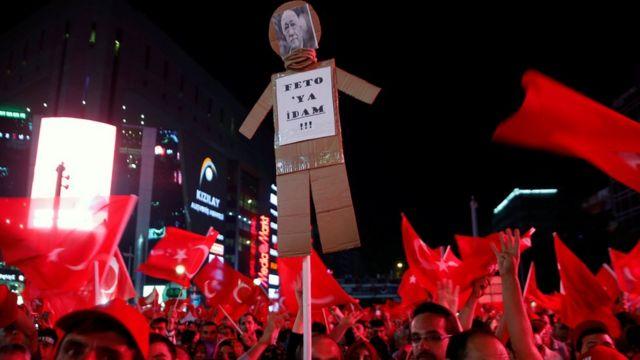 Ankara'da darbe girişimi protestoları