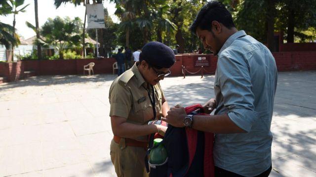 गुजरात में तमाम लोगों का वेरिफिकेशन किया जा रहा है