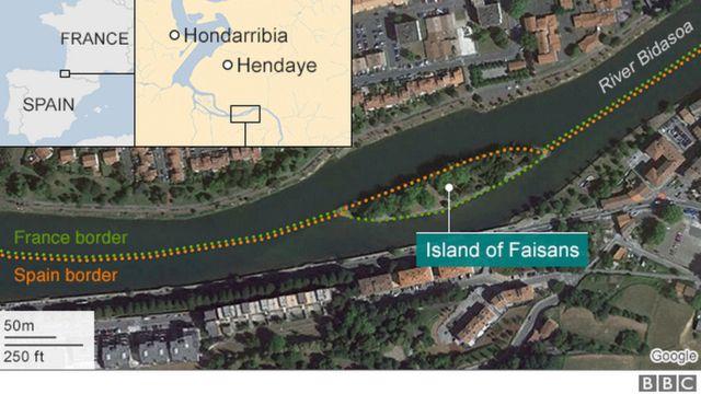เกาะเฟซองส์ตั้งอยู่ในแม่น้ำบีดาซัวซึ่งเป็นแนวพรมแดนตามธรรมชาติที่กั้นกลางระหว่างสเปนกับฝรั่งเศส