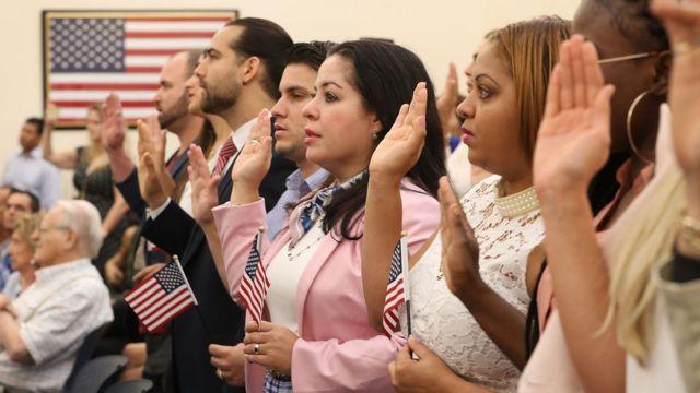 Ceremonia de nuevos ciudadanos de EE.UU.