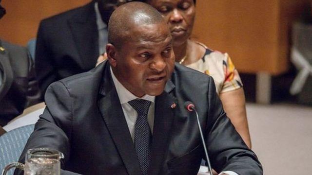 Le gouvernement du Premier ministre Simplice Mathieu Sarandji, en place depuis le mois d'avril 2016, a été remanié jeudi soir par le président Faustin Archange Touadera.