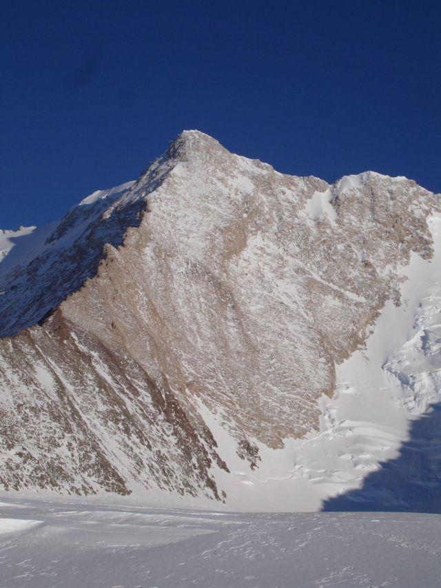 Теперь в Антарктиде есть гора Сису