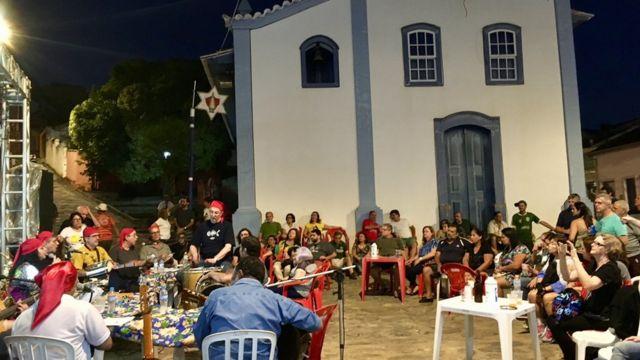 Cenas de evento pelo Dia do Saci em São Luiz do Paraitinga