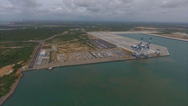 Cảng Hambantota đã được xây dựng bằng tiền vay của Trung Quốc và giờ thì toàn quyền sử dụng của Trung Quốc