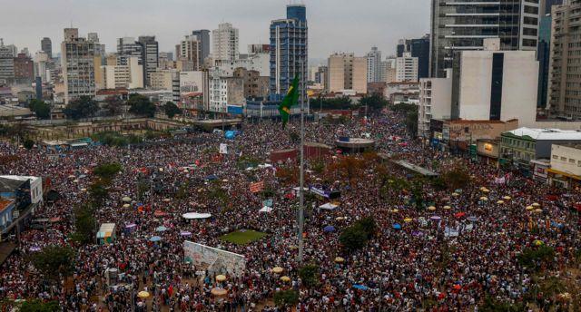 Manifestação #EleNão no Largo da Batata, em São Paulo