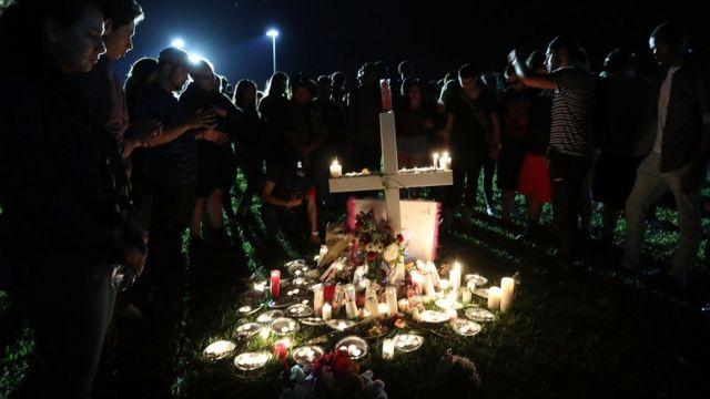 Друзья собрались почтить память погибших