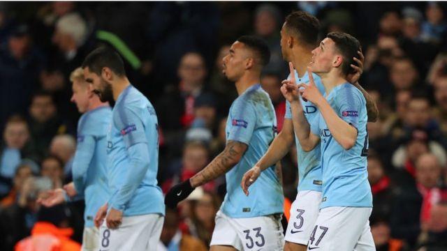 Les joueurs de Manchester contre les Allemands du Shalke O4 en 16e de finale de la Ligue des Champions.