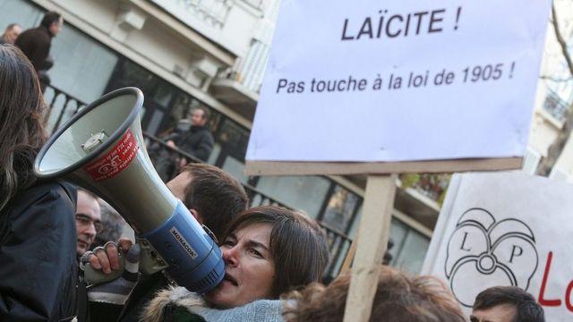 Protesto em prol da laicidade na França