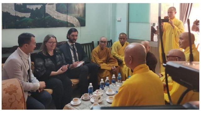 Đại diện Lãnh sự quán Hoa Kỳ tại TP Hồ Chí Minh đến chùa Từ Hiếu viếng hòa Thượng Thích Quảng Độ