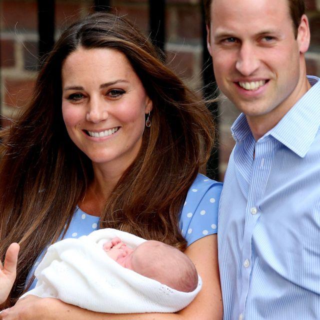 Кейт и принц Уильям с новорожденным первенцем