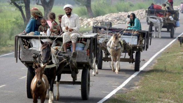 गावों से पलायन