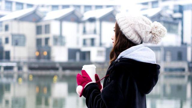 Даже если вы не страдаете SAD, зимой вас часто посещает плохое настроение