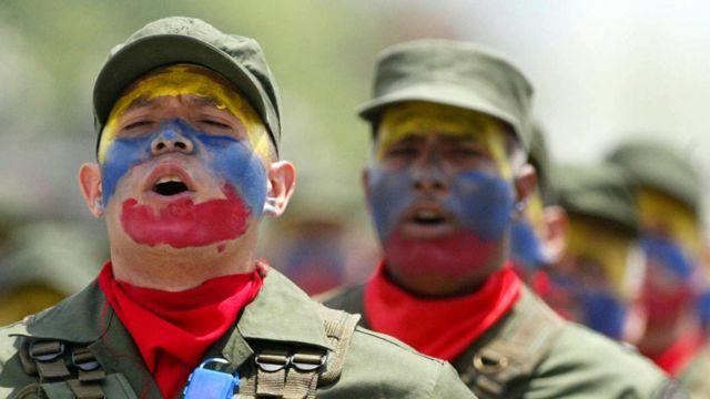 Dos soldados
