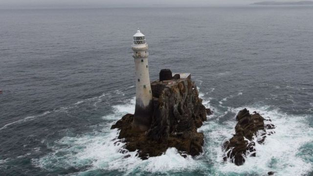 Маяк Фастнет-Рок у побережья Ирландии