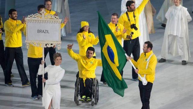 Andre foi o porta-bandeira do Brasil nos Jogos de inverno em Sochi