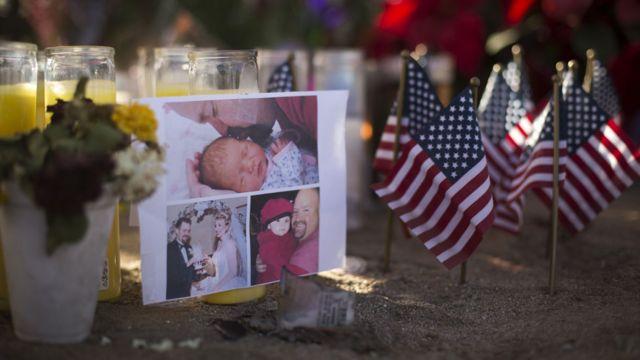 サンバーナディーノ郡では犠牲者の追悼が続く