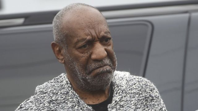 Bill cosby arriving at court