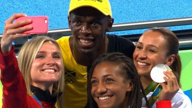 Bolt celebrates with jessica ennis and heptathletes