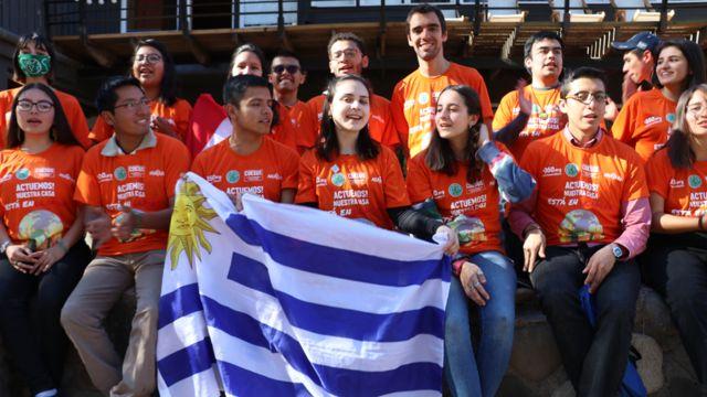 Representantes de Uruguay asistieron a un taller de FridaysForFuture en Chile.