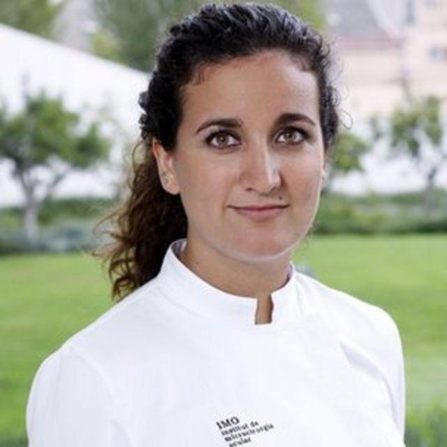 Laura Alonso, optometrista del Instituto de Microcirugía Ocular de Barcelona