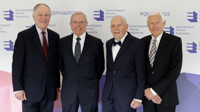 Os ganhadores do prêmio Richard Schwartz, Brad Parkinson, James Spilker Jr e Hugo Fruehauf