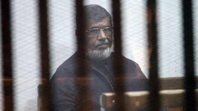 Mursi darbeden sonra cezaevine girdi