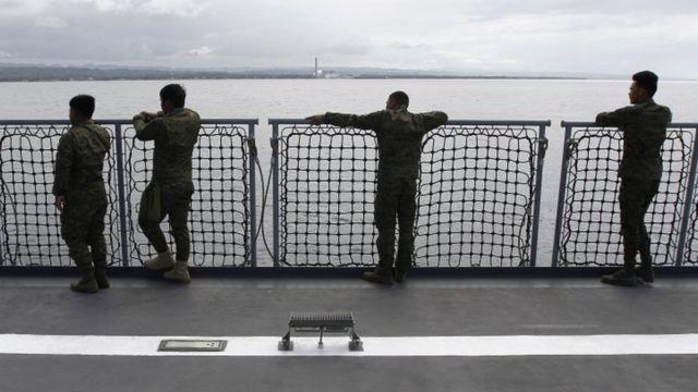 مرکز هشدار سونامی اقیانوسیه در مورد امواج سونامی در اندونزی، فیلیپین و پالائو هشدار داده است.